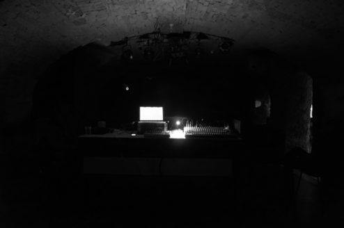 160118_RED_NOISE_Aurora_Budapest_live